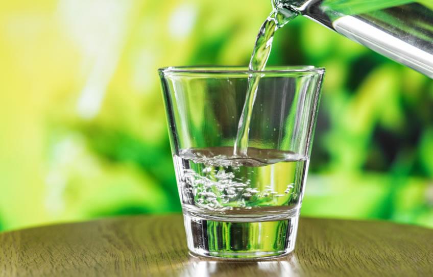 15 Efectos dañinos en tu cuerpo por no tomar agua