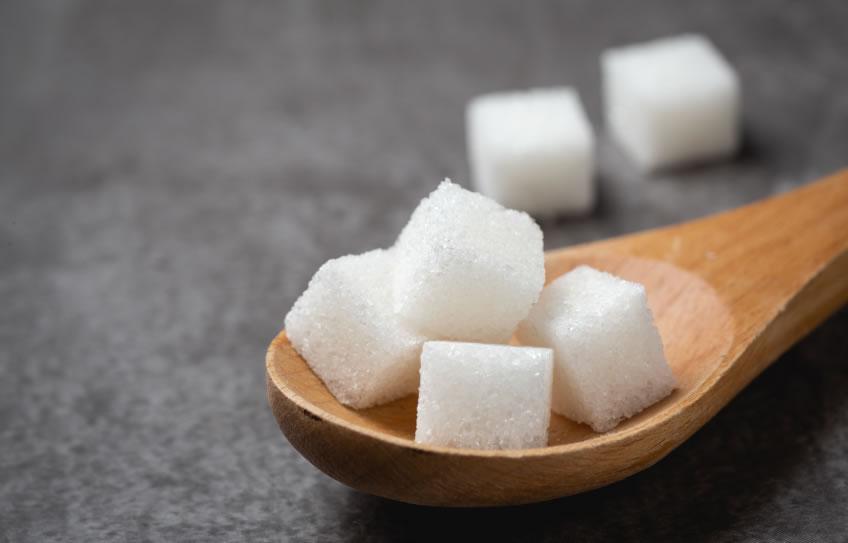 ¿Sabías que el azúcar que te comes, se convierte en colesterol malo?