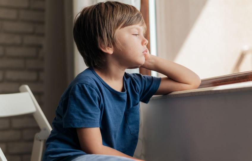 Los síntomas depresivos en niños y tips para ayudarlos